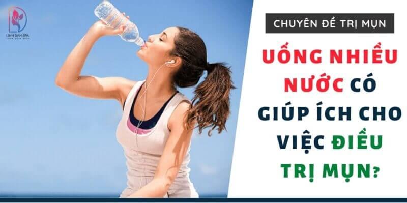 Uong-Nhieu-Nuoc-Co-Giup-Ich-Cho-Viec-Dieu-Tri-Mun